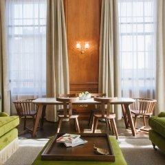Отель The Edinburgh Grand Эдинбург гостиничный бар