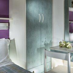 Hotel Sandra Римини комната для гостей фото 2