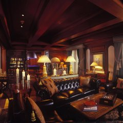 Отель The Leela Palace Bangalore гостиничный бар