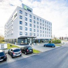 Отель Holiday Inn Express Düsseldorf City North парковка