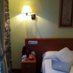 Отель Pensión Ab Domini сейф в номере