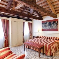Hotel Bella Venezia комната для гостей