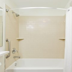 Отель Candlewood Suites Jersey City - Harborside ванная фото 2