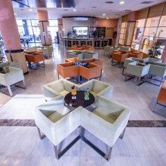 Отель California Palace Испания, Салоу - отзывы, цены и фото номеров - забронировать отель California Palace онлайн гостиничный бар