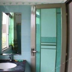 Отель Huaqiao Tourism ванная фото 2