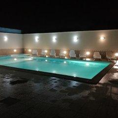 Отель Garden Inn Капуя бассейн