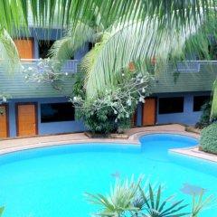 PJ Phuket Town Hotel бассейн