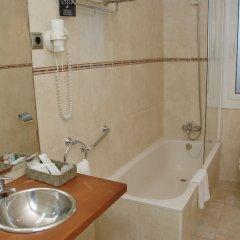 Отель El Castell Испания, Сан-Бой-де-Льобрегат - отзывы, цены и фото номеров - забронировать отель El Castell онлайн ванная фото 2