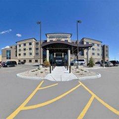 Отель Best Western Premier Freeport Inn Calgary Airport Канада, Калгари - отзывы, цены и фото номеров - забронировать отель Best Western Premier Freeport Inn Calgary Airport онлайн городской автобус