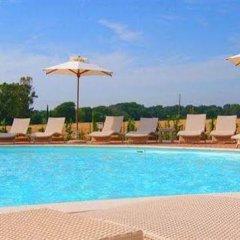 Отель Resort Il Casale Bolgherese Италия, Кастаньето-Кардуччи - отзывы, цены и фото номеров - забронировать отель Resort Il Casale Bolgherese онлайн бассейн фото 3