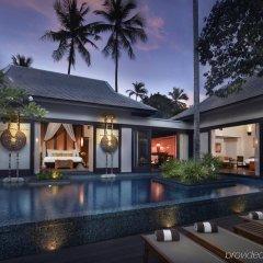 Отель Anantara Mai Khao Phuket Villas бассейн