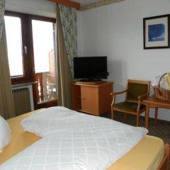 Отель Finkenhof Италия, Сцена - отзывы, цены и фото номеров - забронировать отель Finkenhof онлайн комната для гостей фото 4