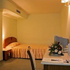 Отель Парк-Отель Санкт-Петербург Болгария, Пловдив - отзывы, цены и фото номеров - забронировать отель Парк-Отель Санкт-Петербург онлайн сейф в номере