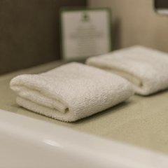 Отель Холидей Инн Киев ванная фото 2