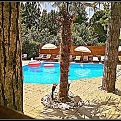 Отель Anastazia Luxury Suites & Rooms бассейн