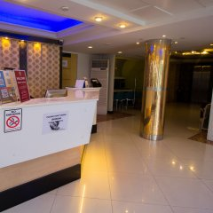 Отель ZEN Rooms Sukhumvit 11 интерьер отеля