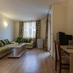 Апартаменты One Bedroom Apartment with Balcony комната для гостей фото 3