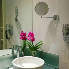 Hotel Leonardo Prague ванная