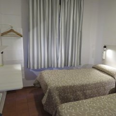 Hostel Almansa комната для гостей