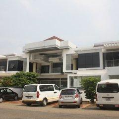 Отель Adwoa Wangara городской автобус