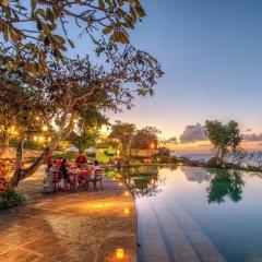 Отель Four Seasons Resort Bali at Jimbaran Bay бассейн