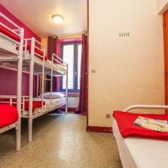 Отель Young & Happy Latin Quarter by Hiphophostels комната для гостей