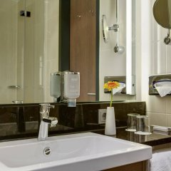 Отель InterCityHotel Leipzig Германия, Лейпциг - 1 отзыв об отеле, цены и фото номеров - забронировать отель InterCityHotel Leipzig онлайн ванная