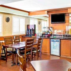 Отель Travelodge Chatsworth США, Лос-Анджелес - отзывы, цены и фото номеров - забронировать отель Travelodge Chatsworth онлайн