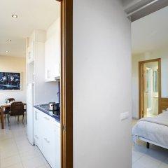 Отель Apartamentos Calvet Испания, Барселона - отзывы, цены и фото номеров - забронировать отель Apartamentos Calvet онлайн комната для гостей фото 5