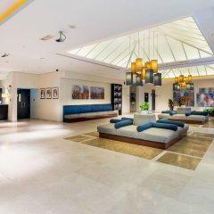 Отель Holiday Inn Express Dubai Airport ОАЭ, Дубай - - забронировать отель Holiday Inn Express Dubai Airport, цены и фото номеров интерьер отеля