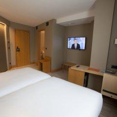 Отель Plaza Испания, Ла-Корунья - отзывы, цены и фото номеров - забронировать отель Plaza онлайн удобства в номере фото 2