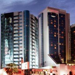 Отель Crowne Plaza Dubai ОАЭ, Дубай - отзывы, цены и фото номеров - забронировать отель Crowne Plaza Dubai онлайн вид на фасад