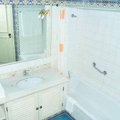 Отель Solar Das Palmeiras Португалия, Виламура - отзывы, цены и фото номеров - забронировать отель Solar Das Palmeiras онлайн ванная