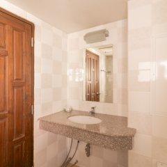 Отель Makkasan Inn Бангкок ванная