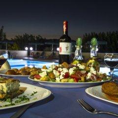 Mediterranean Hotel Apartments & Studios питание