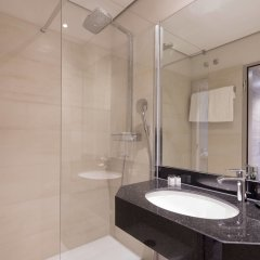 Sheraton Duesseldorf Airport Hotel ванная фото 2