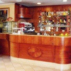 Отель York гостиничный бар