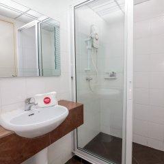 Отель Nida Rooms Ratchadapisek 11 Poseidon Таиланд, Бангкок - отзывы, цены и фото номеров - забронировать отель Nida Rooms Ratchadapisek 11 Poseidon онлайн ванная фото 2
