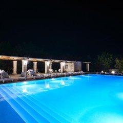 Отель Tenuta Santicuti Верноле бассейн