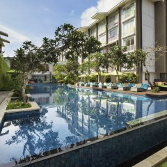 Отель Ibis Styles Bali Benoa бассейн