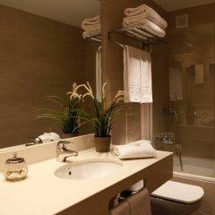 Отель Blaumar Hotel Salou Испания, Салоу - 7 отзывов об отеле, цены и фото номеров - забронировать отель Blaumar Hotel Salou онлайн ванная