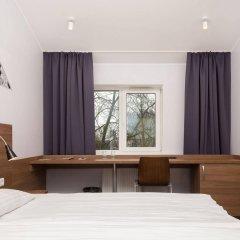 Отель Corner Литва, Вильнюс - - забронировать отель Corner, цены и фото номеров удобства в номере