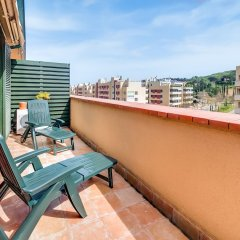 Отель Apartamento Vivalidays Mari Испания, Льорет-де-Мар - отзывы, цены и фото номеров - забронировать отель Apartamento Vivalidays Mari онлайн балкон