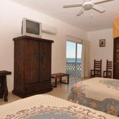 Отель Casa Costa Azul сейф в номере