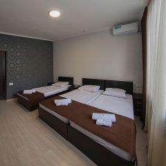 Hotel Merien Ереван сейф в номере