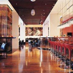 Отель COMO Metropolitan Bangkok гостиничный бар