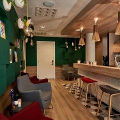 Отель Holiday Inn Express Amsterdam - City Hall Нидерланды, Амстердам - 2 отзыва об отеле, цены и фото номеров - забронировать отель Holiday Inn Express Amsterdam - City Hall онлайн гостиничный бар