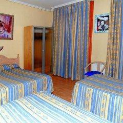Отель CH Plaza D'Ort Rooms Madrid сейф в номере
