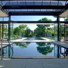 Vineyard Hotel бассейн