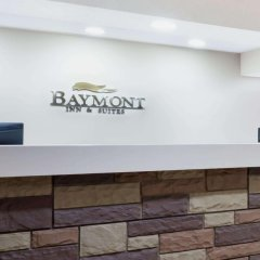 Отель Baymont by Wyndham Columbus/Rickenbacker интерьер отеля